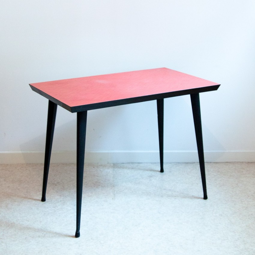 magnifique table en formica vintage et rouge. Black Bedroom Furniture Sets. Home Design Ideas