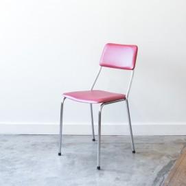 Chaise en skaï rouge