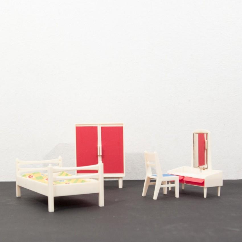 chambre miniature vintage avec coiffeuse. Black Bedroom Furniture Sets. Home Design Ideas