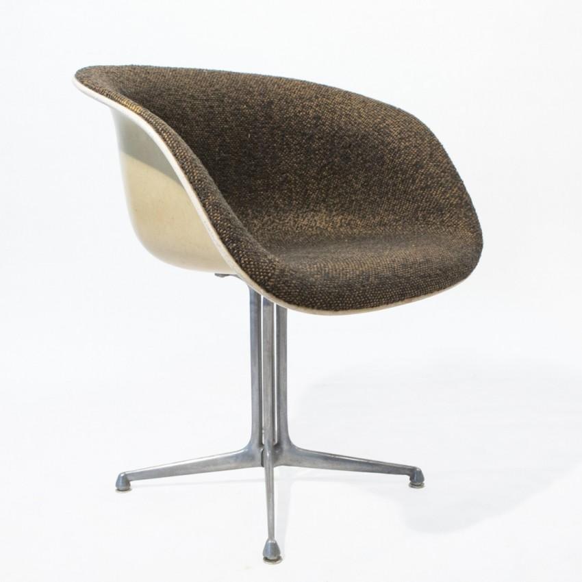 fauteuil la fonda eames pour herman miller. Black Bedroom Furniture Sets. Home Design Ideas