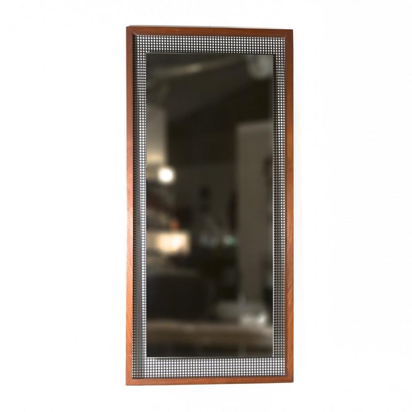 Miroir vertical en bois et tôle perforée