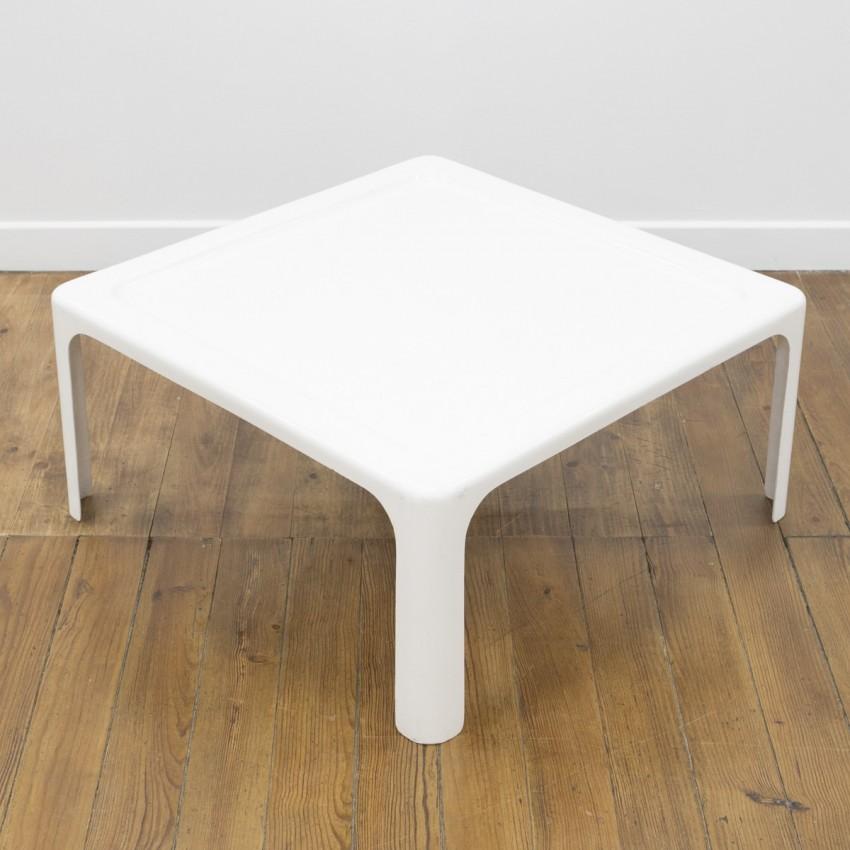 Table basse en plastique Roche Bobois