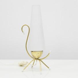 lampe d 39 appoint en laiton et verre opale. Black Bedroom Furniture Sets. Home Design Ideas