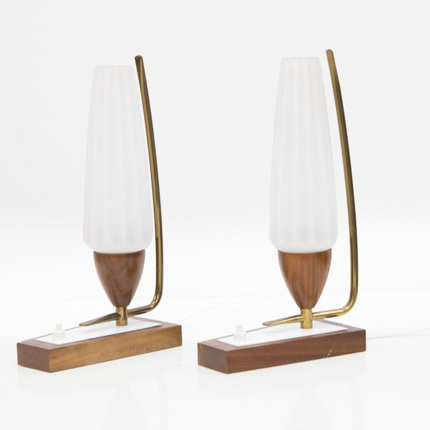 Paire de lampes de chevet bois, laiton et verre opale