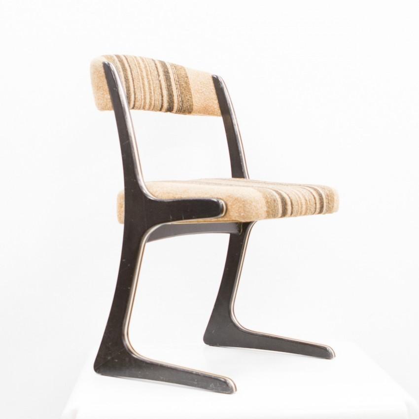 chaise traineau free pass lapalma chaise tapisse avec. Black Bedroom Furniture Sets. Home Design Ideas