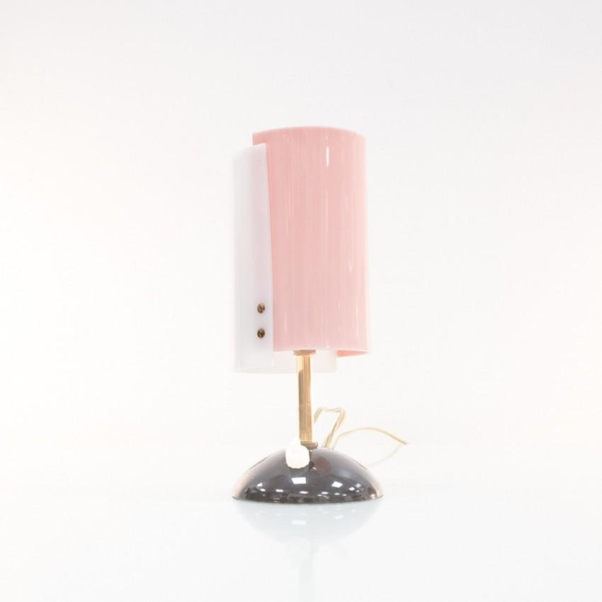 Lampe d'appoint en plexiglas et laiton. Italie, années 1960.