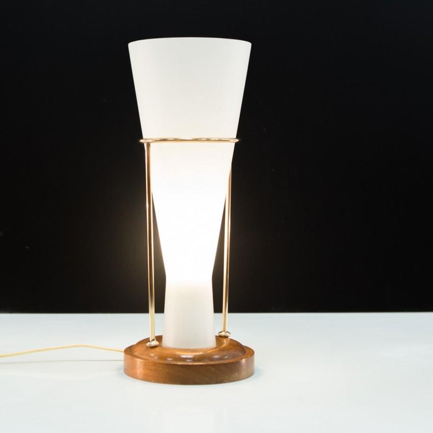 Amphore en verre satiné, bois et laiton pour un éclairage tamisé