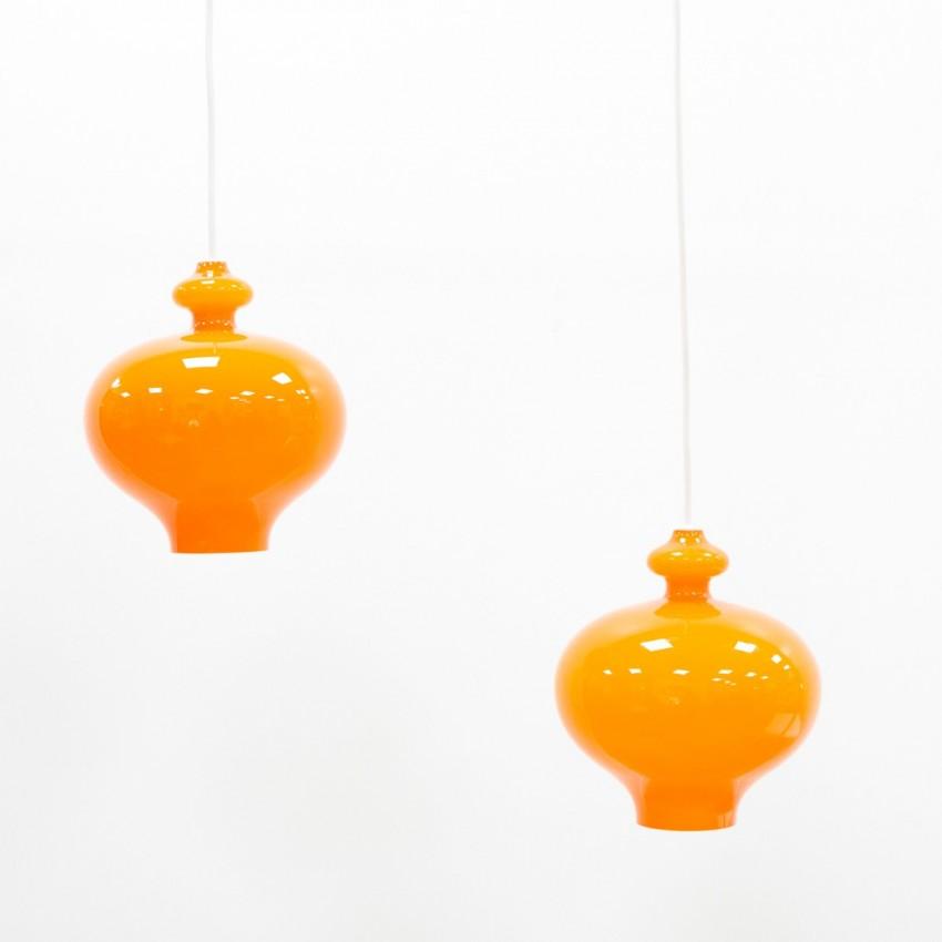 Lustre constitué de verreries orange d'Hans-Agne Jakobsson