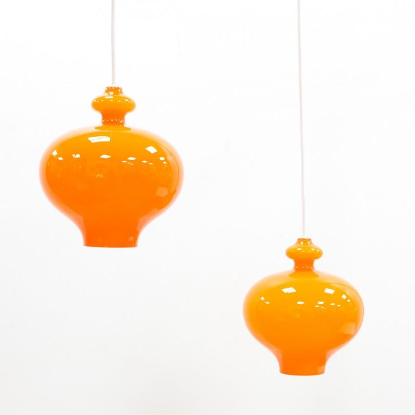 Lustre scandinave constitué de verreries orange d'Hans-Agne Jakobsson