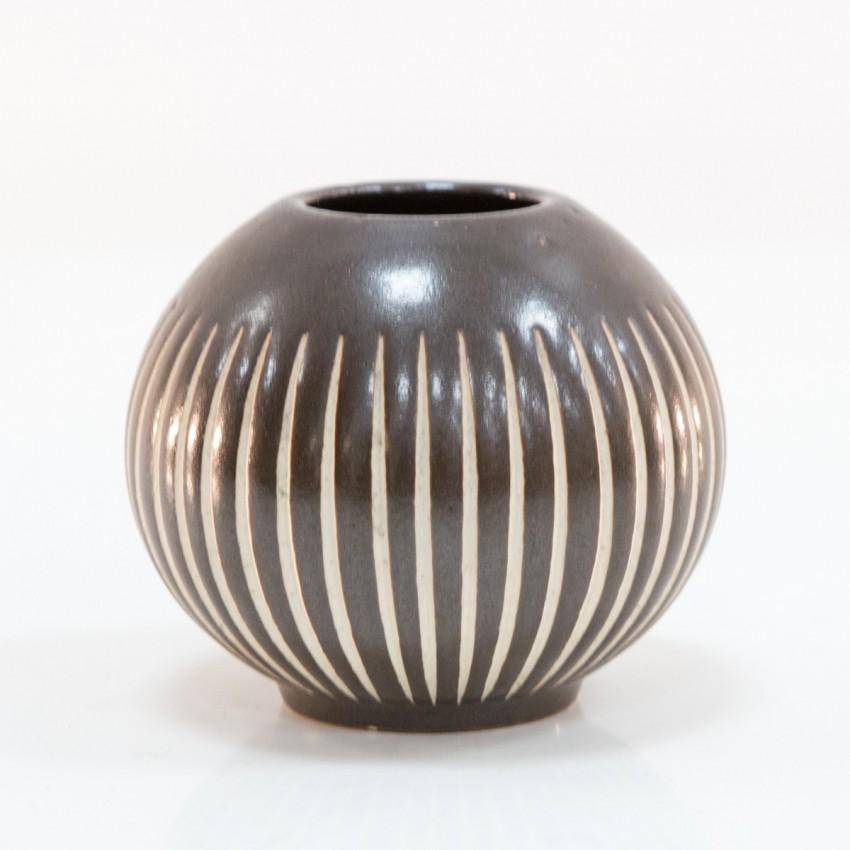 Céramique sphérique d'Anton Piesche
