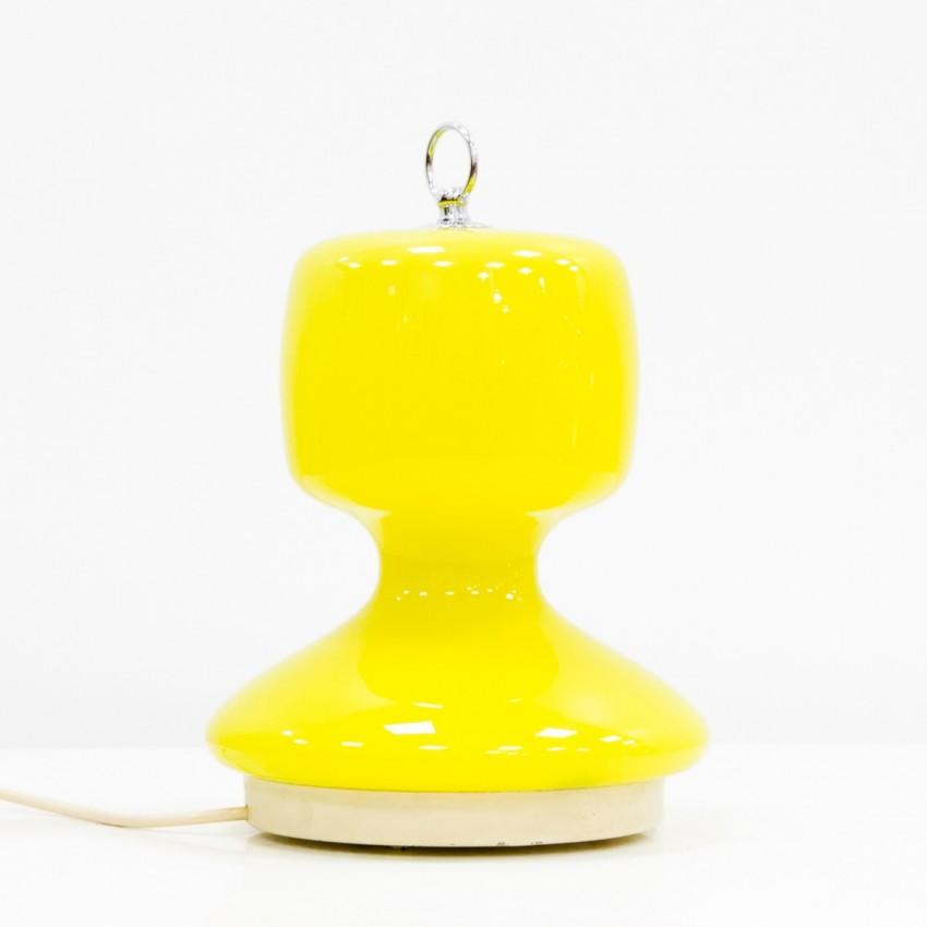Lampe mobile en verre jaune et métal surmontée d'une poignée