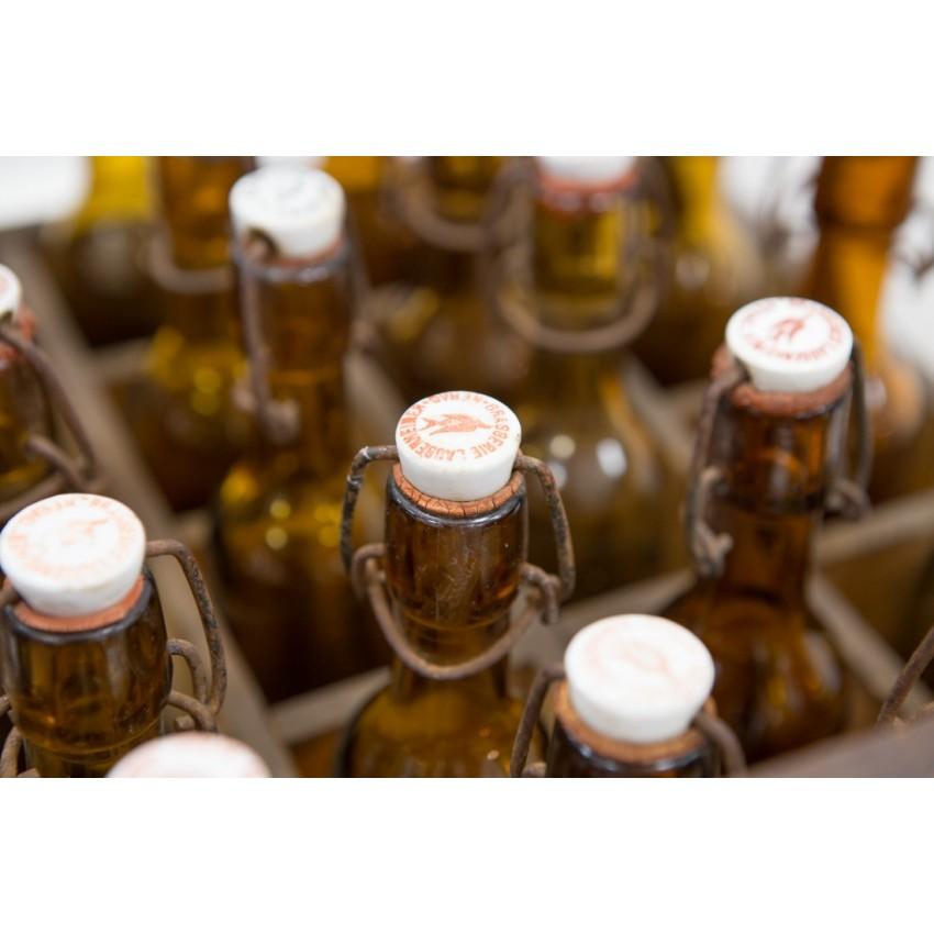 Caisse de bouteilles de bière de la brasserie Laubenheimer à Nérac