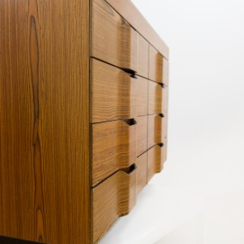 Commode en bois et Formica
