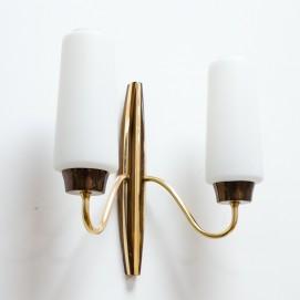 Applique double en laiton et verre opale des années 1950