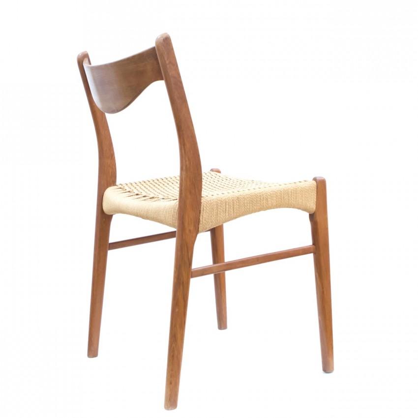 Paire de chaises en bois et vannerie Glyngøre