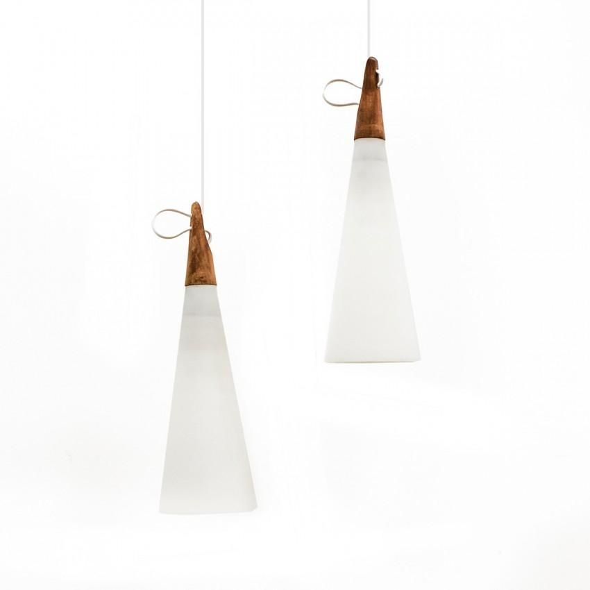 Suspensions coniques en verre et teck