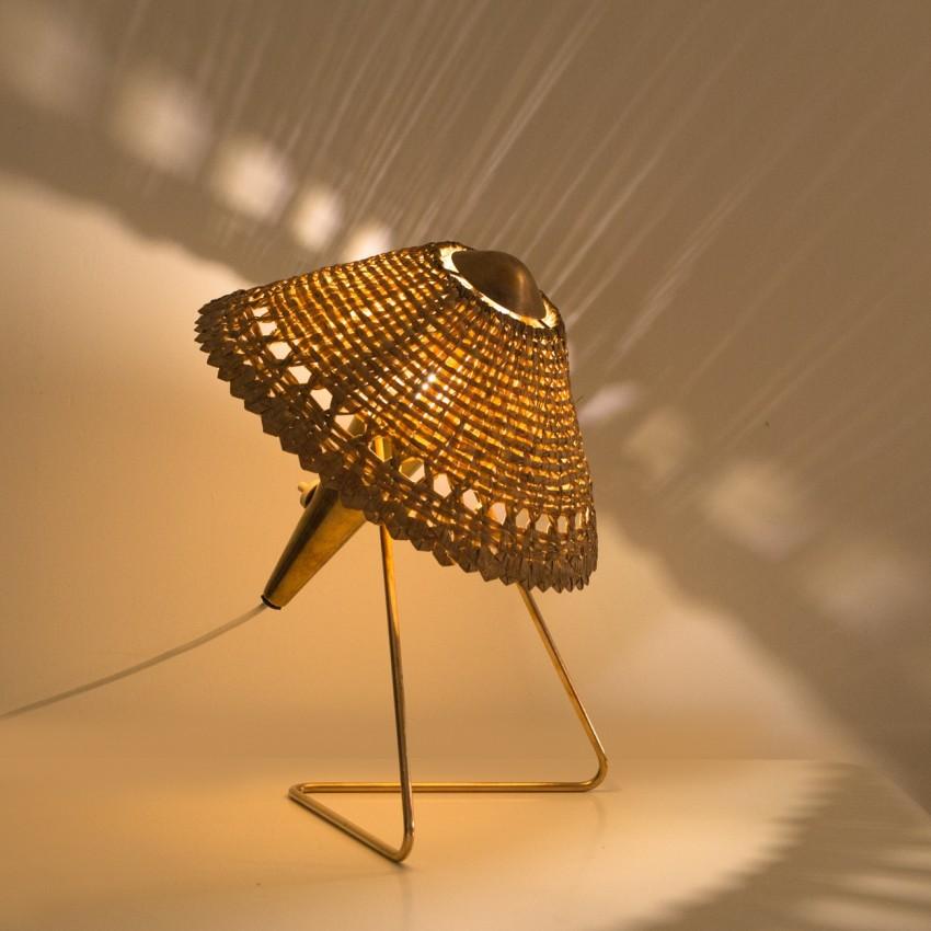 Lampe d'Helena Frantova pour Okolo