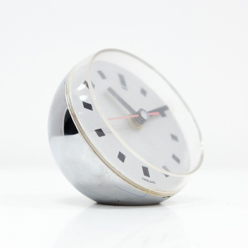 Horloge Ball Clock chromée d'Anthony Gemmill pour Acrylic products