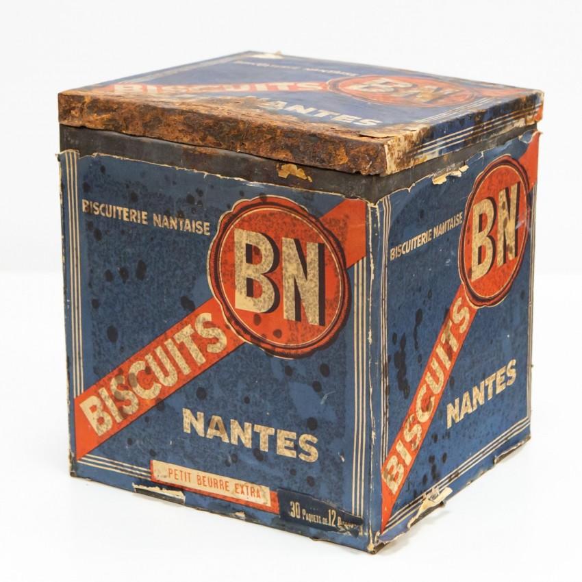 Boite cubique du Biscuit Nantais