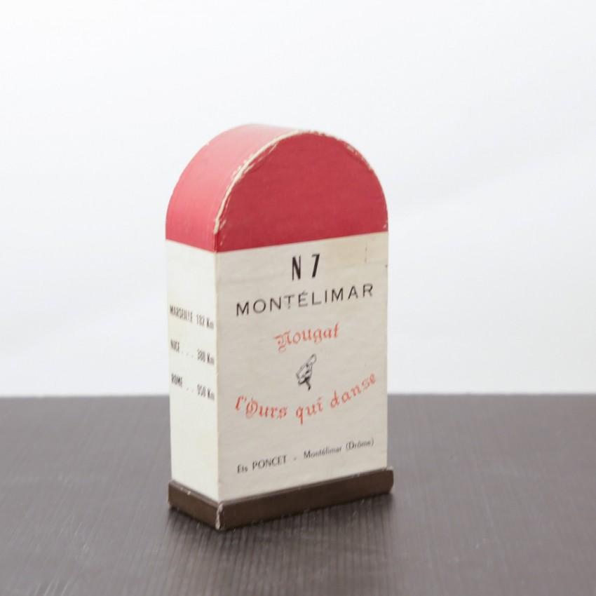 Boite de nougats de Montélimar vintage - Borne kilométrique