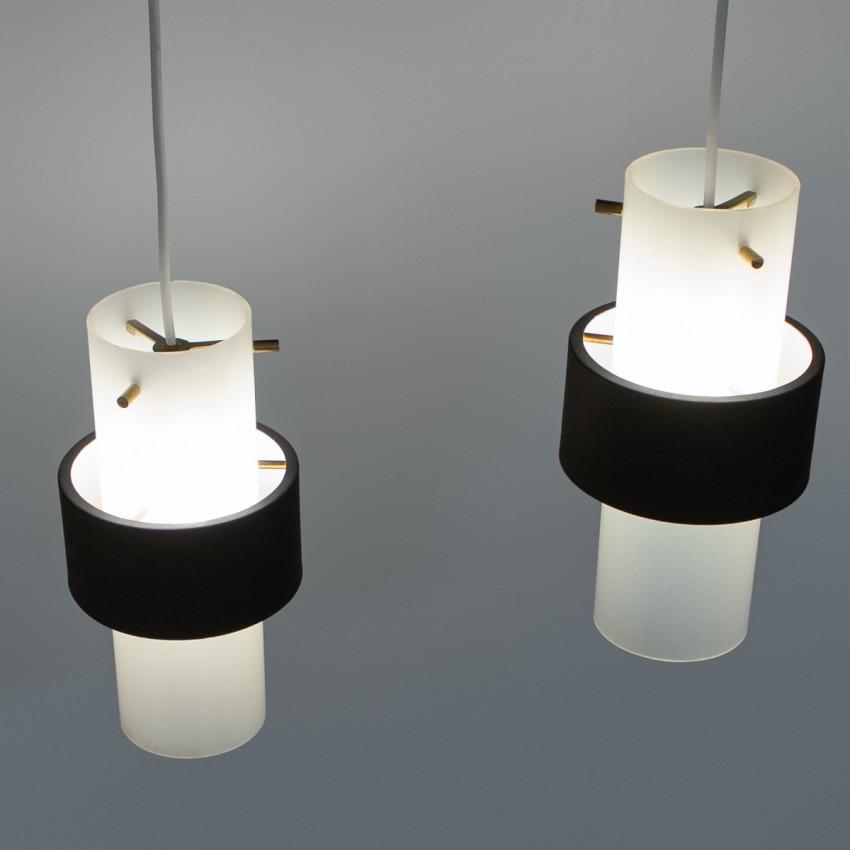 Suspensions cylindriques en plexiglas Lunel