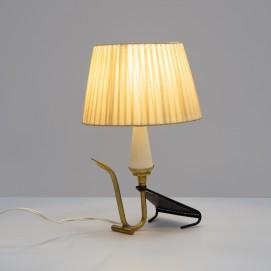 Lampe mobile tripode des années 1950 en tôle perforée et lamelles de plastique