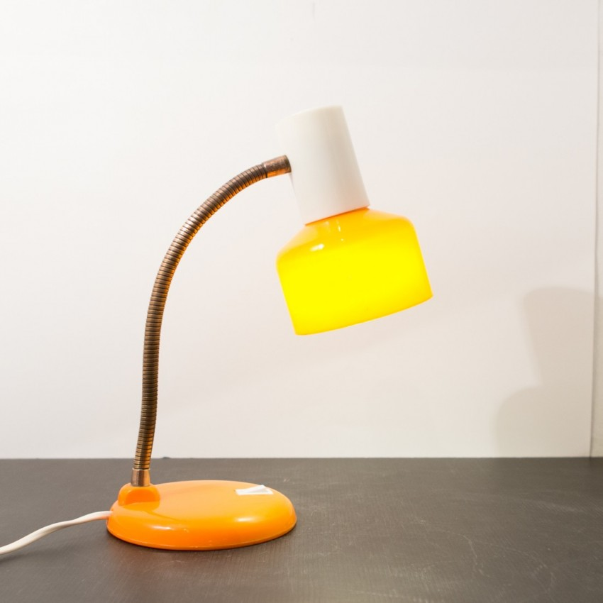 lampe de bureau orange et translucide allemagne 1960. Black Bedroom Furniture Sets. Home Design Ideas
