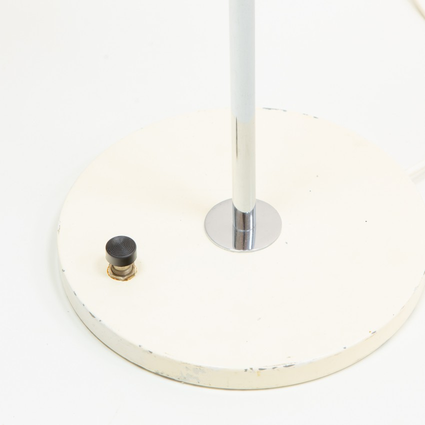 Lampadaire Fermigier : interrupteur pédale sur socle cylindrique