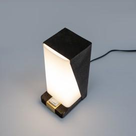 Lampe de chevet asymétrique en plexiglas et tôle pliée des années 1960