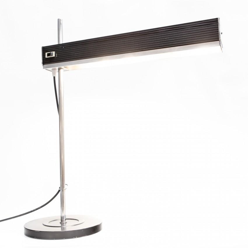 Lampe de bureau Jumo au réflecteur déporté en tôle ajourée coulissant sur une tige chromée