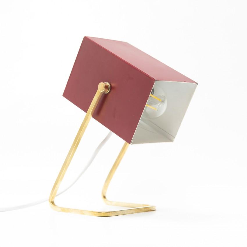 Lampe cube éditée par Kaiser