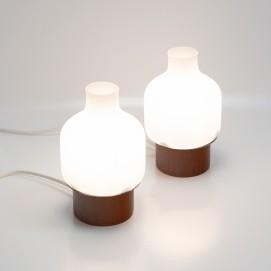 Lampes de chevet des années 1960 en verre et bois