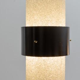 Lampadaire tripode cylindrique en résine et métal des années 1950