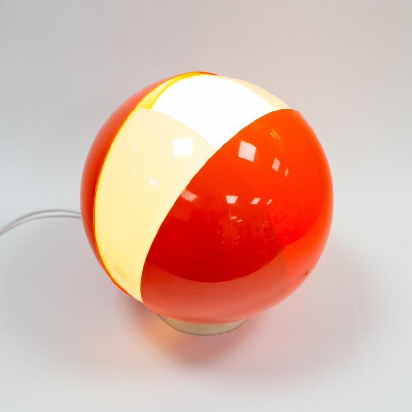 Lampe boule Plexiglas orange et blanc des années 1960