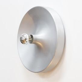 Applique ronde en aluminium pour ampoule à calotte argentée Kontakt-Werkstätten - Staff