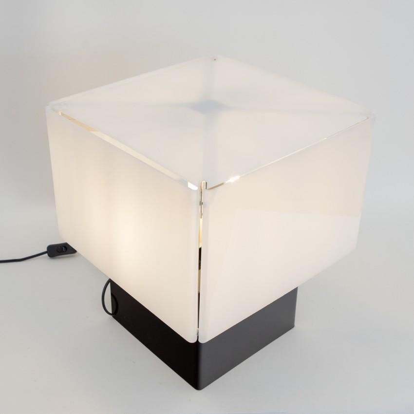 Cube lumineux en Plexiglas
