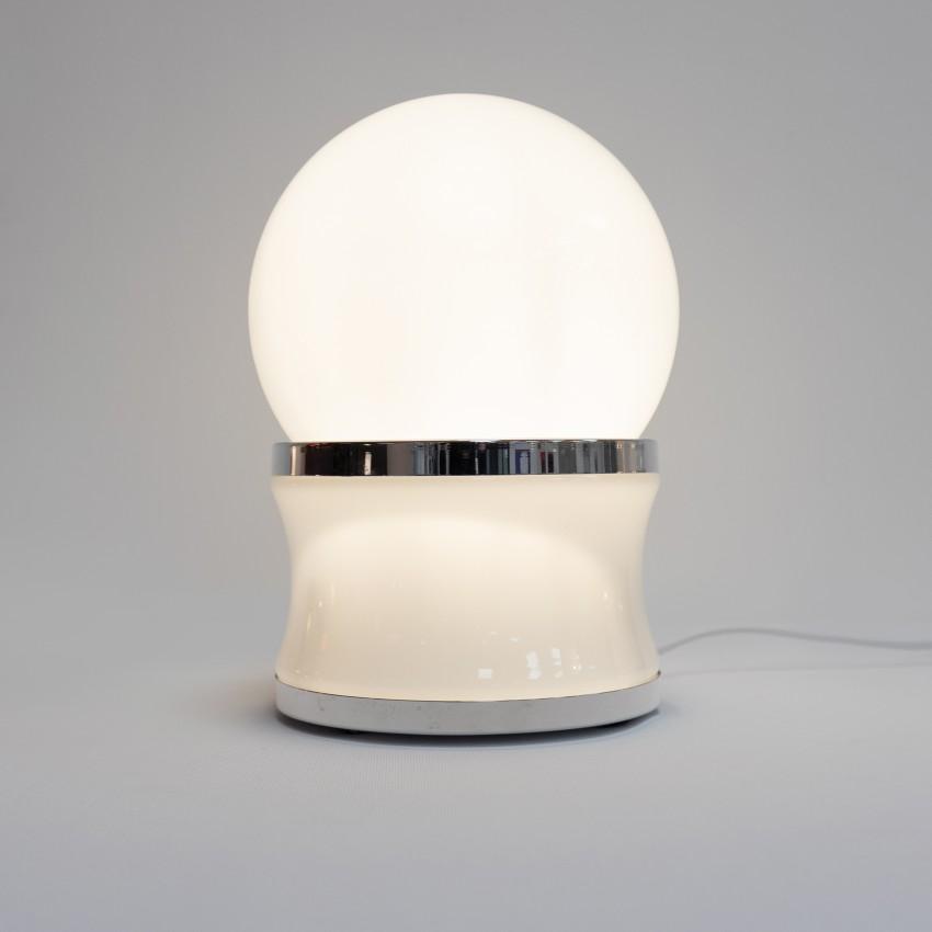 Lampe globe en verre opale