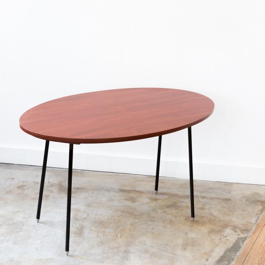 table basse ovale circa 1950. Black Bedroom Furniture Sets. Home Design Ideas