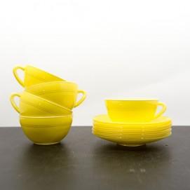 Tasses Duralex jaunes des années 1950