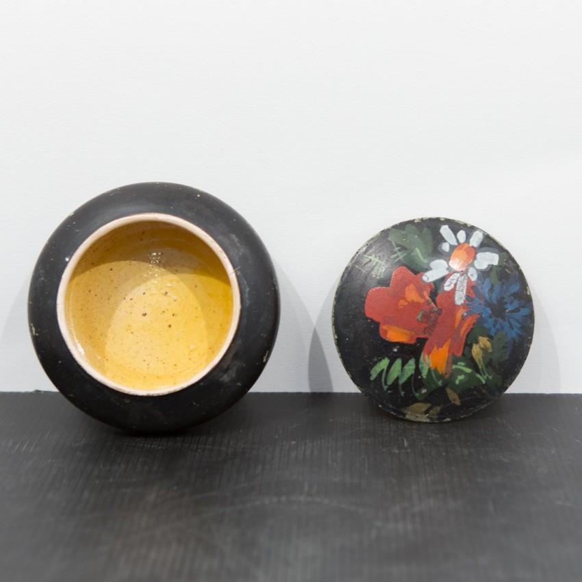 Boite en céramique peinte