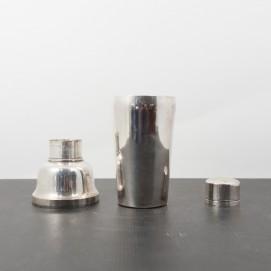 Shaker ancien en métal argenté