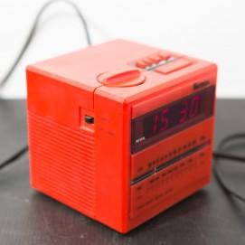 Radio-réveil cube Hermès HC 65 rouge - 1980