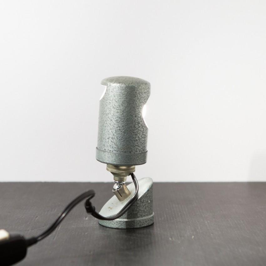 ancienne lampe d 39 atelier articul e. Black Bedroom Furniture Sets. Home Design Ideas