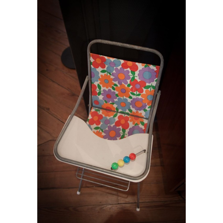 Chaise haute poupée