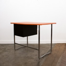 Bureau orange, chrome et noir !
