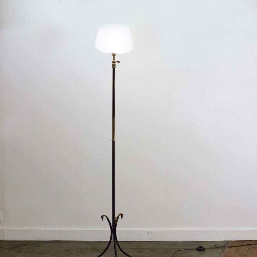 Lampadaire tripode ajustable