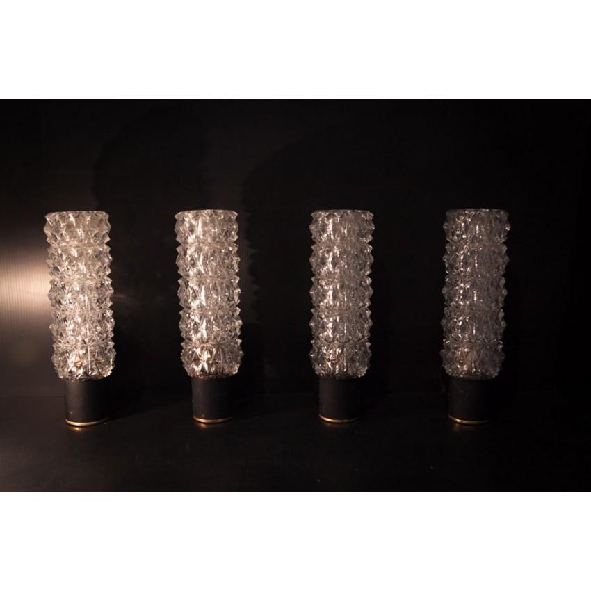 Quatre appliques fer/verre/laiton