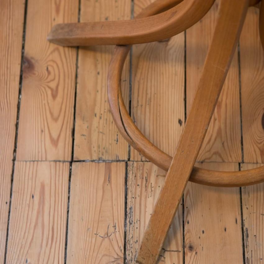 perroquet en bois courb. Black Bedroom Furniture Sets. Home Design Ideas