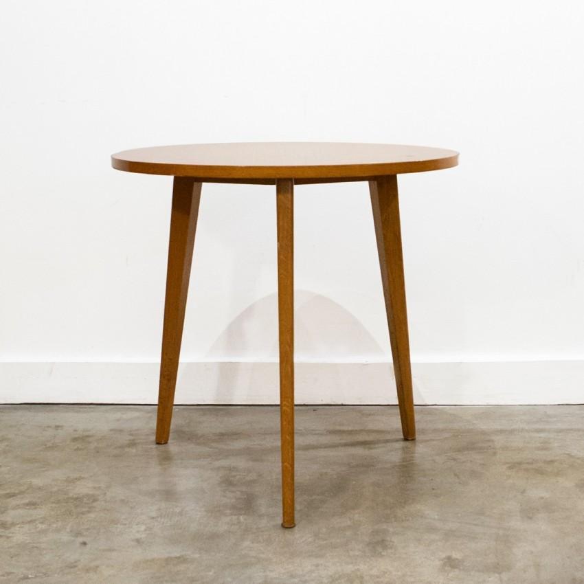 table basse tripode en bois. Black Bedroom Furniture Sets. Home Design Ideas
