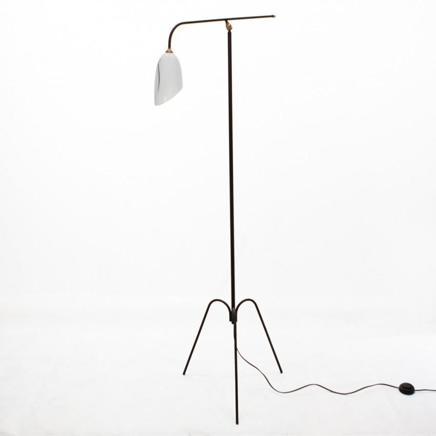 lampe de sol articul e. Black Bedroom Furniture Sets. Home Design Ideas